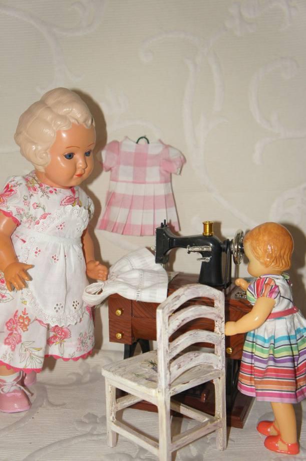 Платья для винтажных кукол
