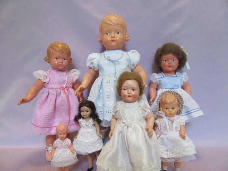 Нарядные платья винтажных кукол